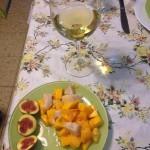 נתחי הפלמידה בסביצ'ה עם מנגו ותאנים בשולחן של מור בללטי